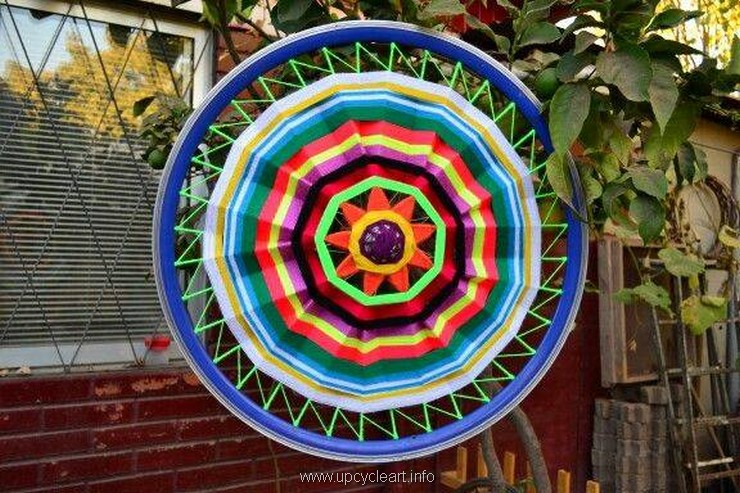 garden decor with bicycle wheels