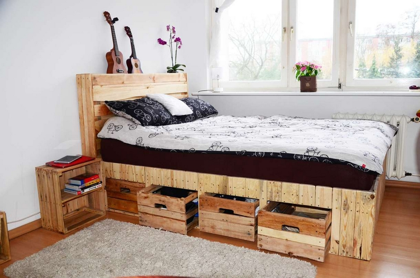 giant wooden pallet bed