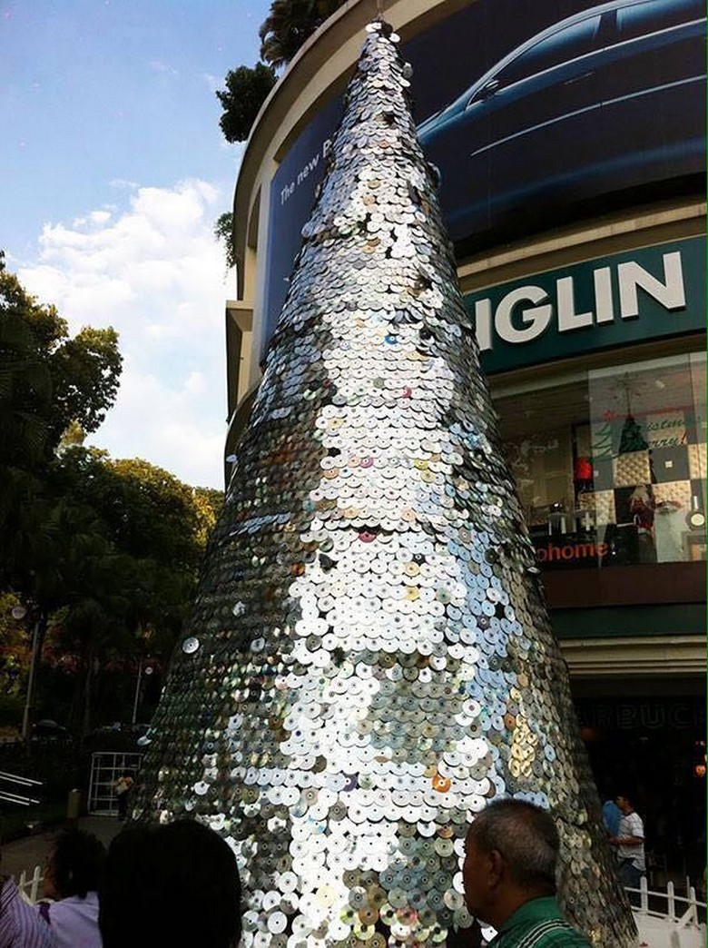 old cds recycled tree