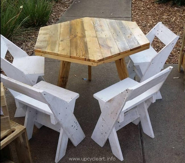 outdoor wooden pallet furniture idea