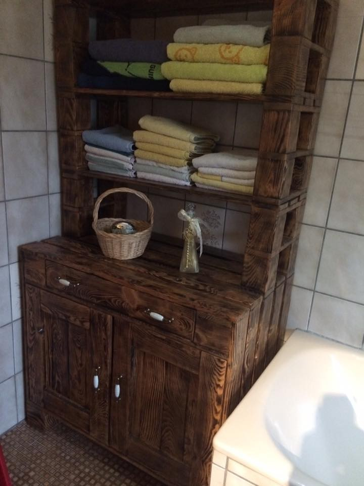 pallet storage for bathroom