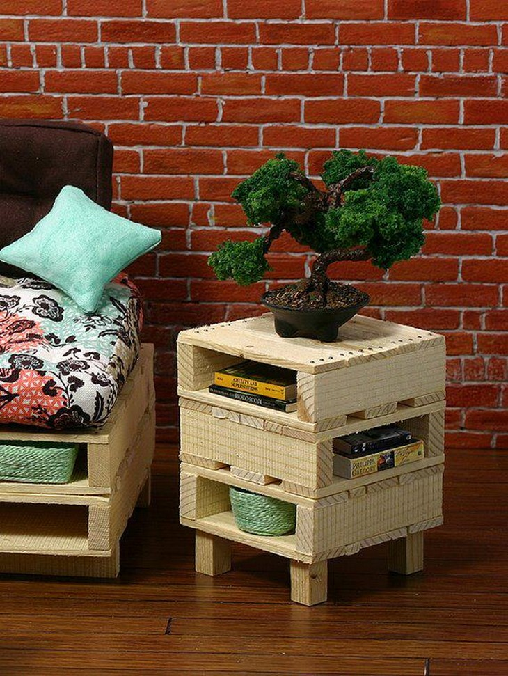 recycled pallet side table idea