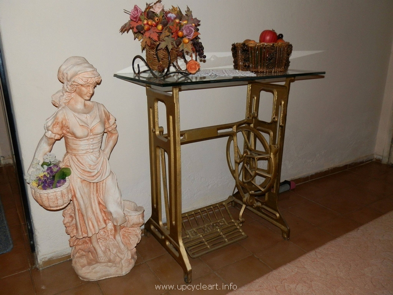 recycled sewing machine side tabel
