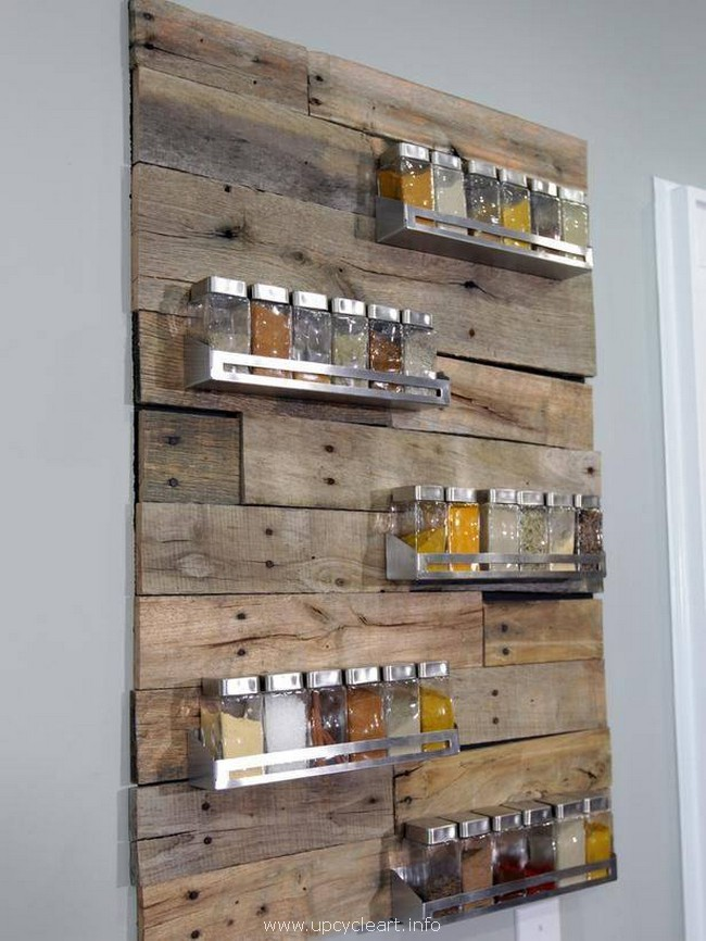 recycled wood pallet shelves