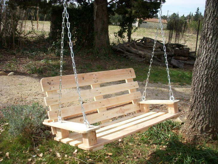 upcycled pallet wood swing