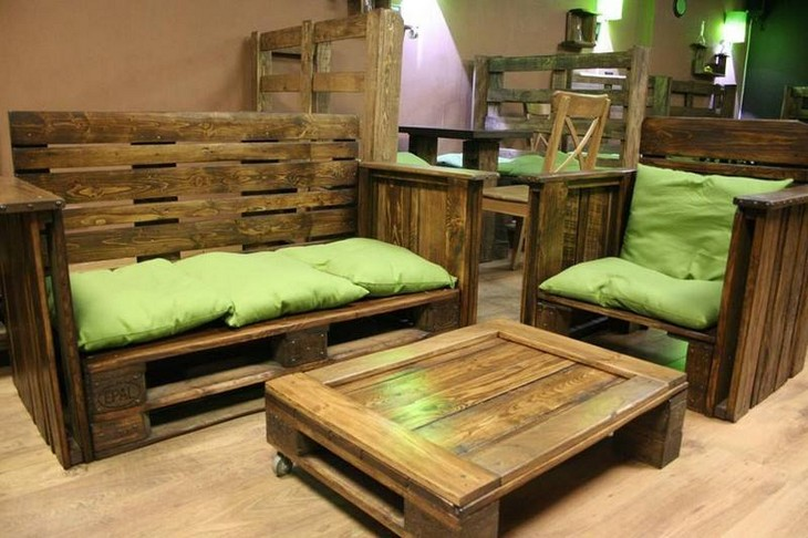 upcycled wooden pallet furniture