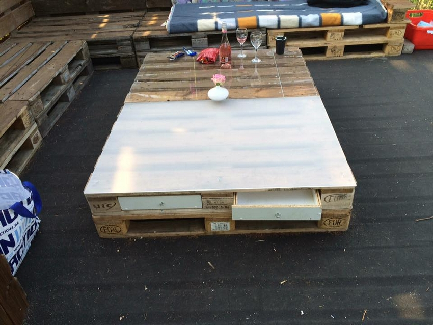wood pallet patio table