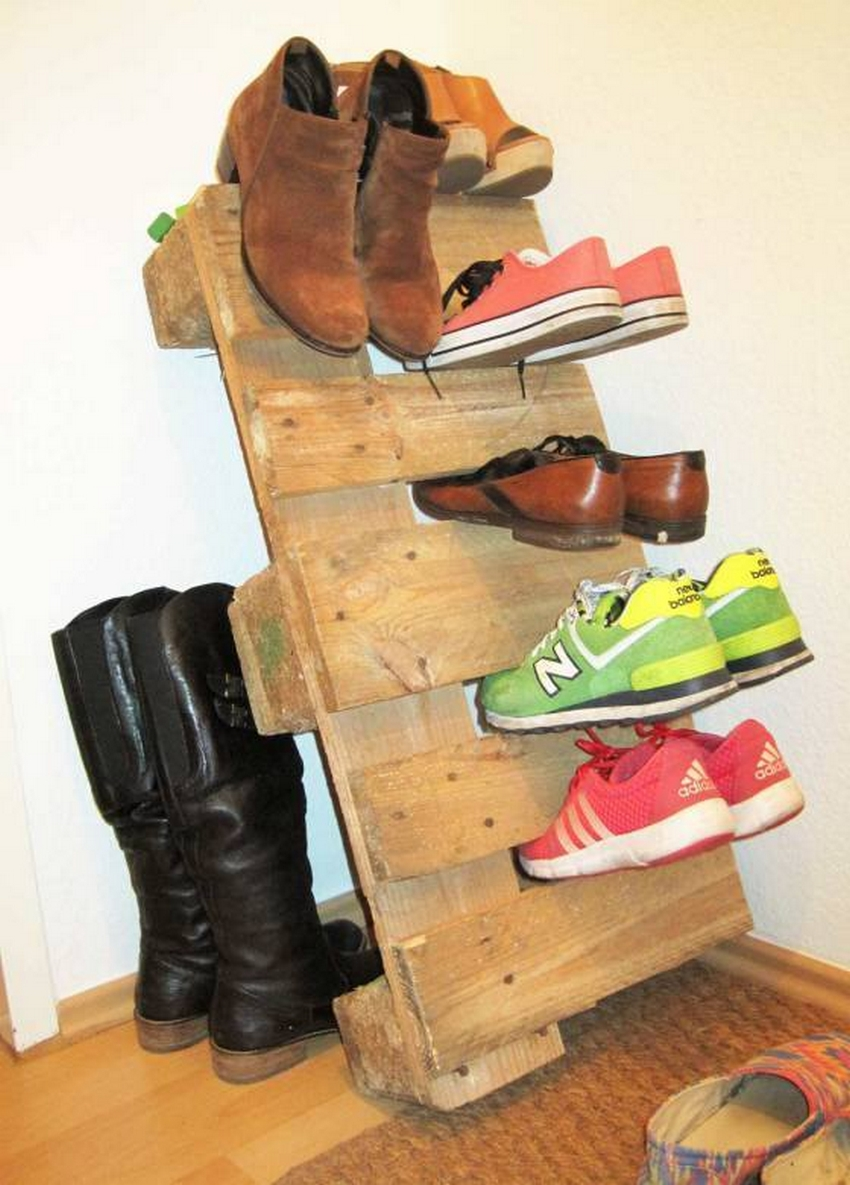 wood pallet shoe holder