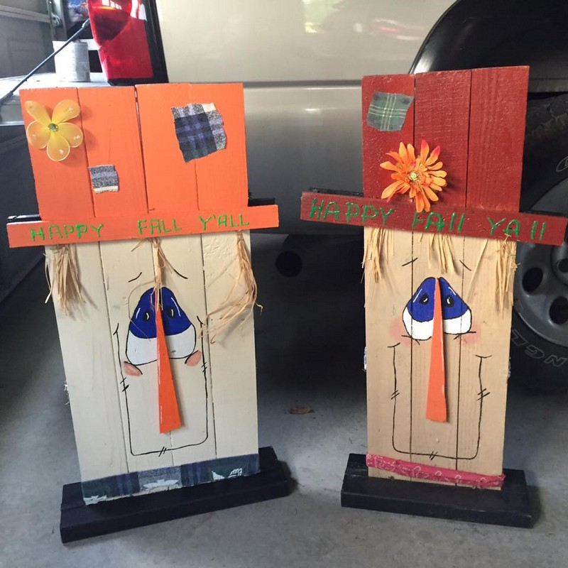 Wood pallet recycled in creative ways upcycle art - How to make a snowman out of wood planks ...