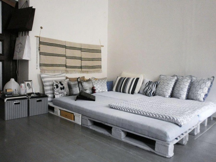 wooden pallet beding