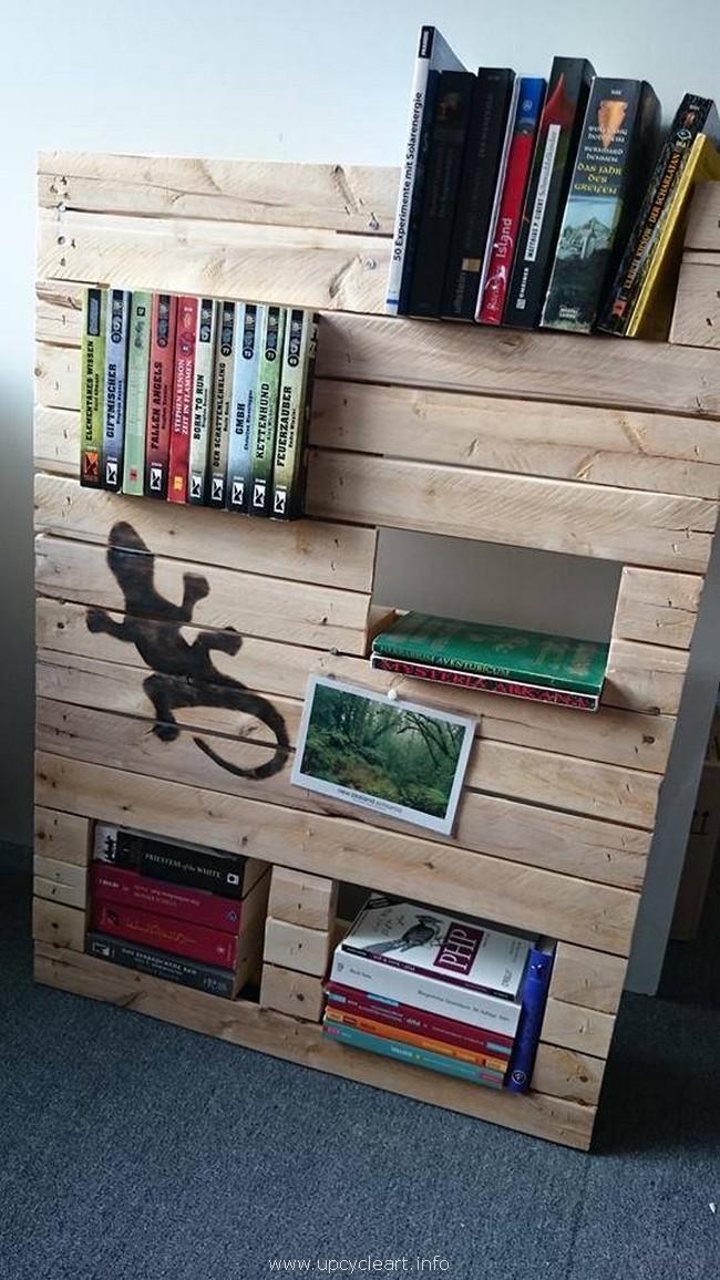 wooden pallet bookshelf