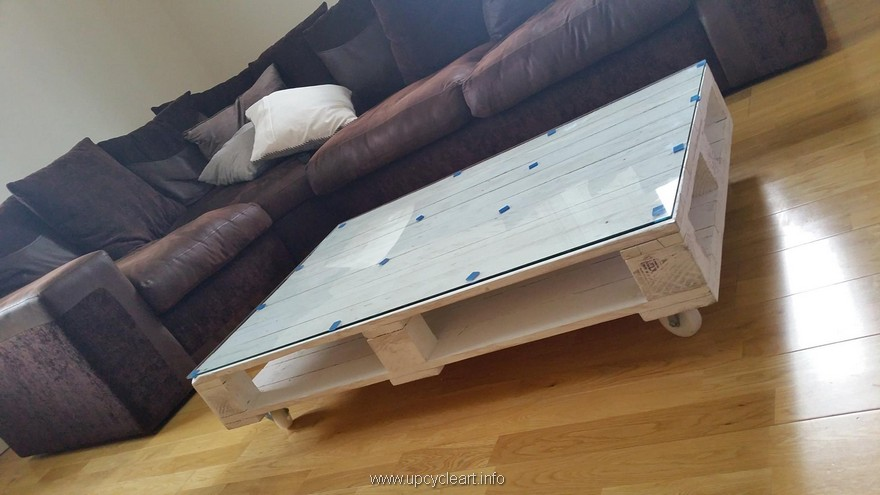 wooden pallet tables
