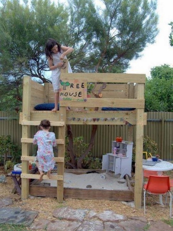 kids playhouse out of pallet wood