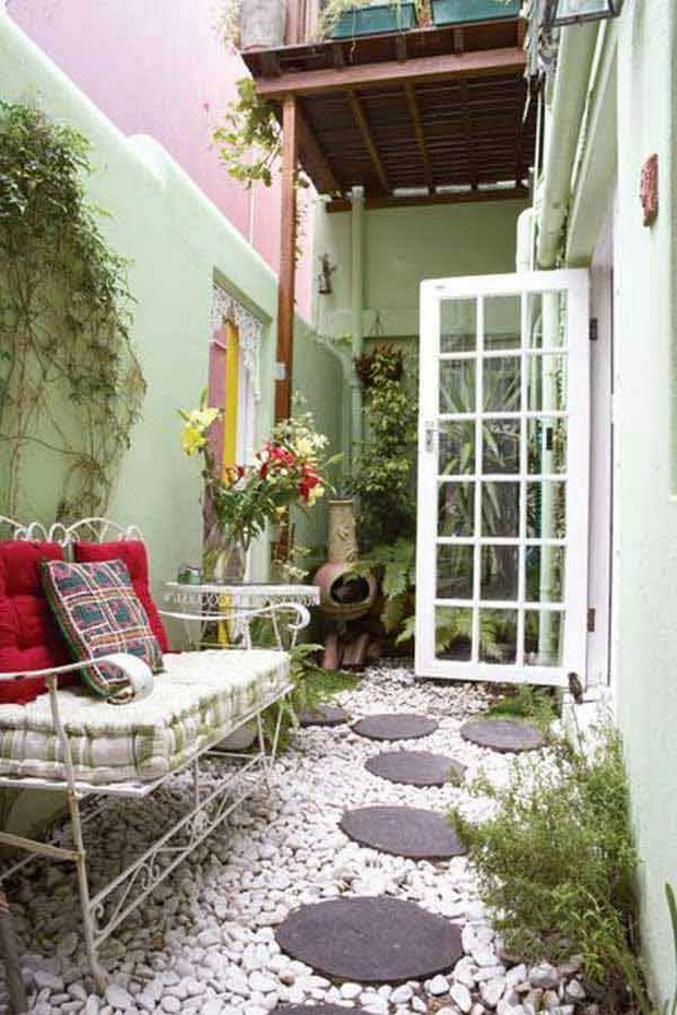 Narrow and Long Outdoor Spaces
