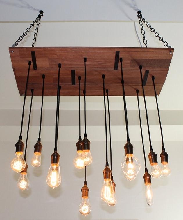 wood-pallet-chandelier