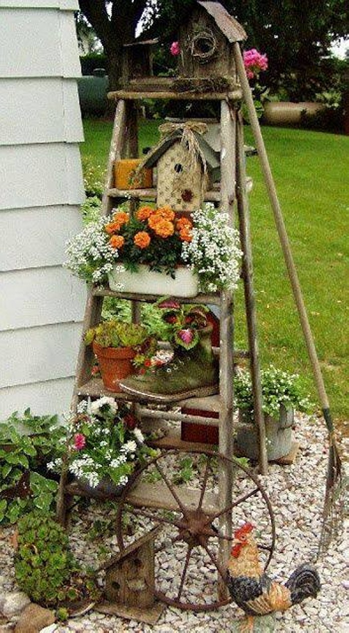 Re purposed garden art ideas upcycle art for Repurposed home decorating ideas