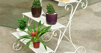 Cute Iron Pot Stand