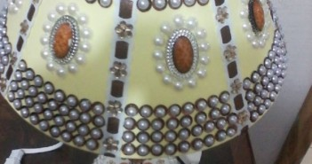 Pearls Decorated Lamp