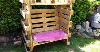 Wooden Pallet Strandkorb Chair